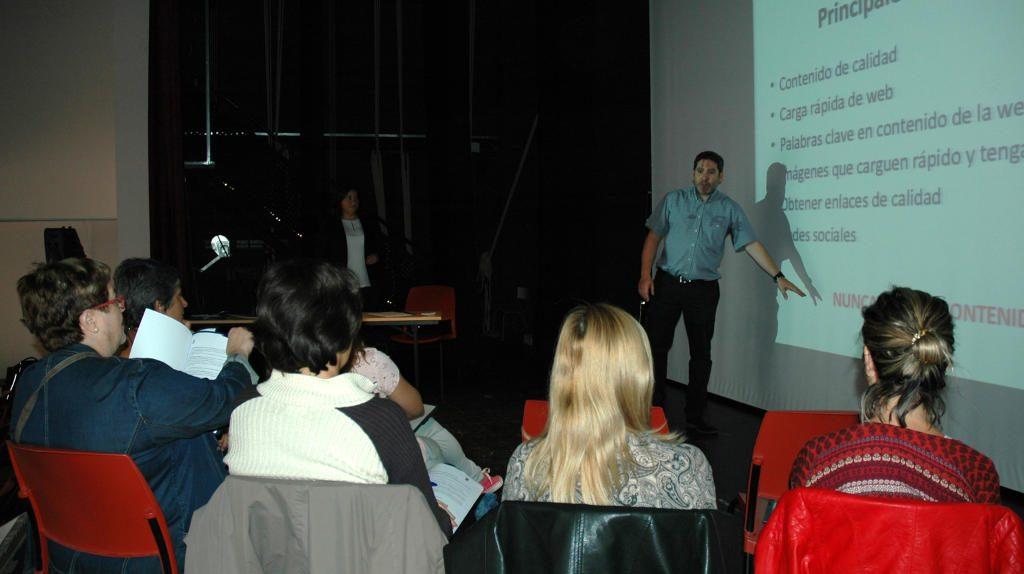 Juan Pedro Municio analiza las herramientas para estar presentes en internet en Palazuelos Digital
